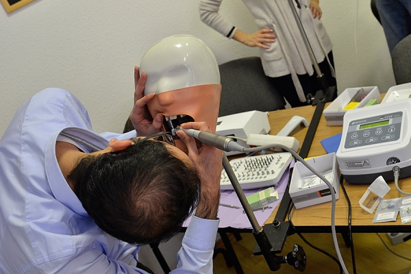 dentis-kurzus-gyakorlat-13CC9EDCD0-77C7-1CA1-BBA0-0713195950A7.jpg